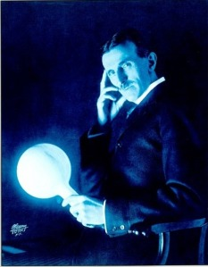 Tesla-Wireless-Lightbulb-nikola-tesla-3362112-389-500